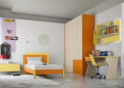 Composizione cameretta con armadio, scrivania e letto. Finiture variabili da catalogo.