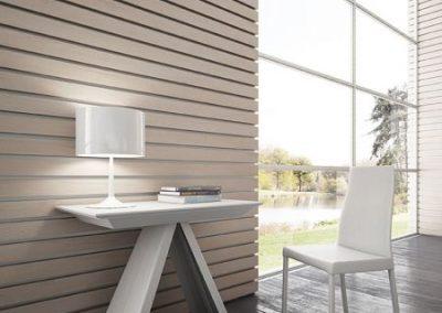 Consolle con allunghe con possibilità di allungarla uso tavolo fino a tre metri. Disponibile in diverse finiture.